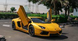 Lamborghini Aventador LP700-4 50th anniversary 2013 GCC yellow matte