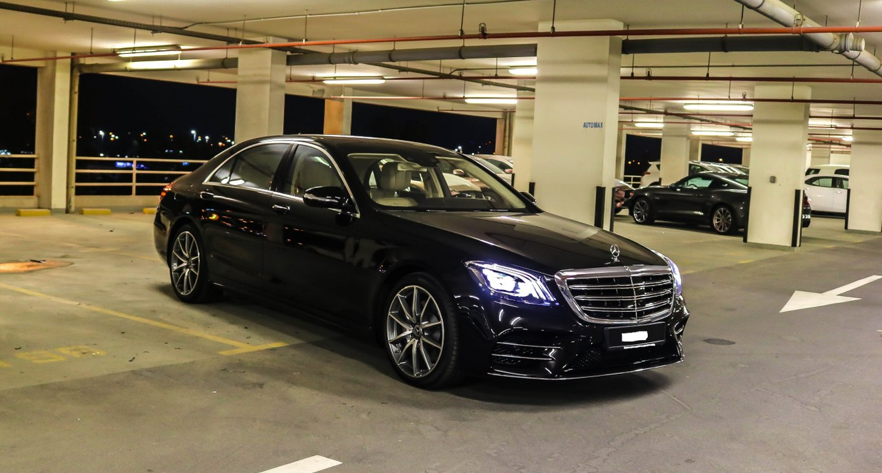 Mercedes benz s 560 4matic 2018 0km brand new gcc for Mercedes benz brand image