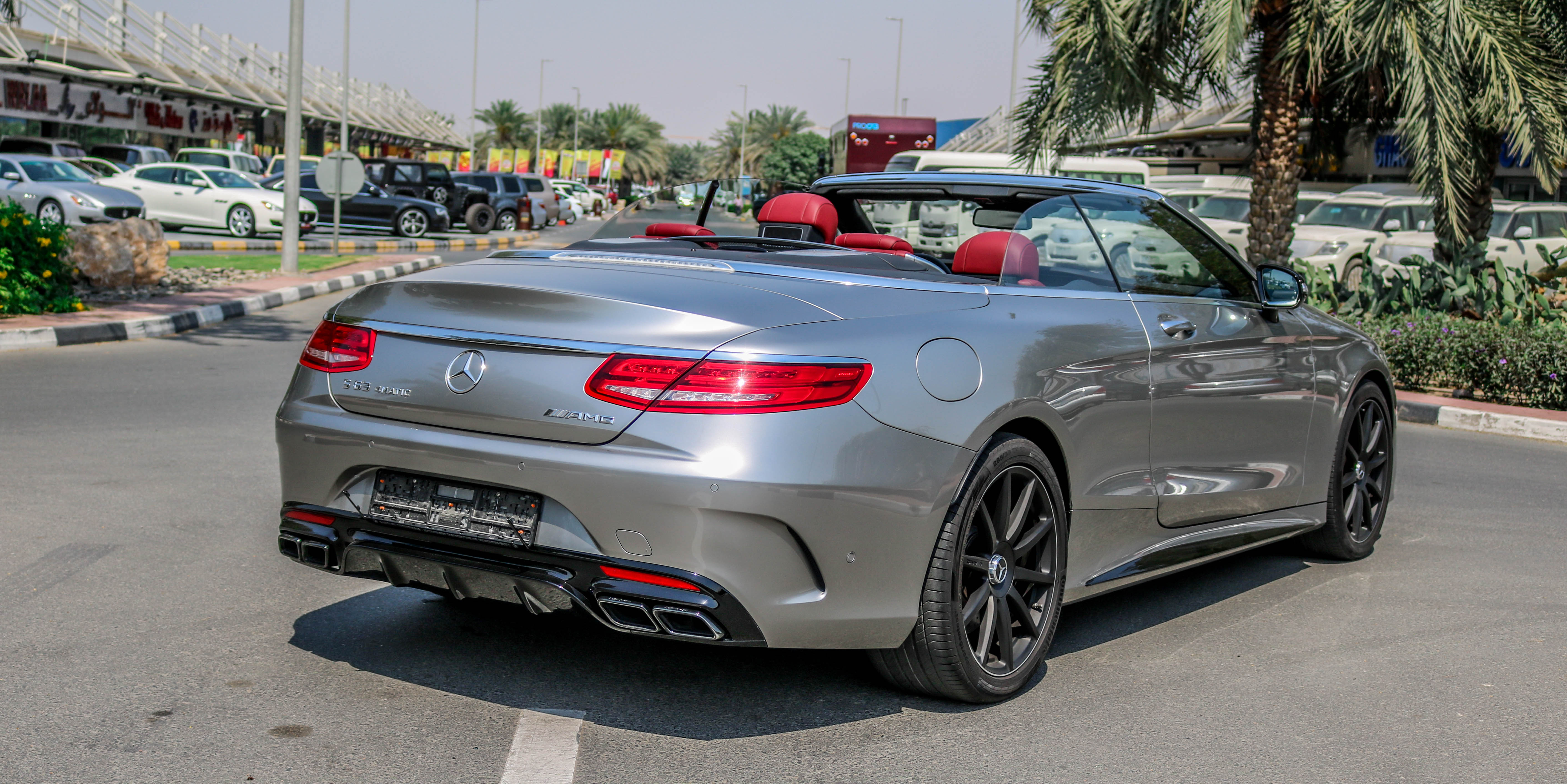 Mercedes benz s63 convertible edition 1 of 130 2016 gcc for Best time of year to buy a mercedes benz