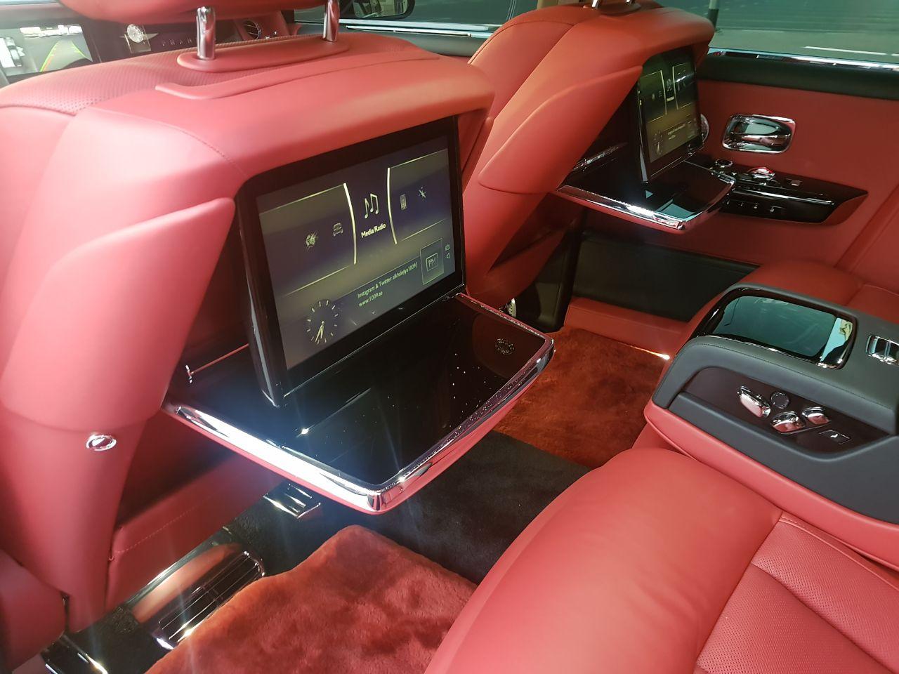 Rolls Royce Phantom 2018 Star Light Roof Gcc Formula